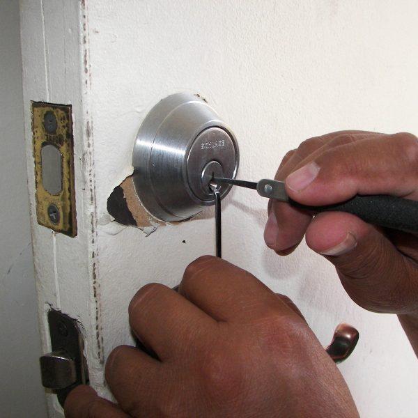 locksmith-1947387_1920.jpg